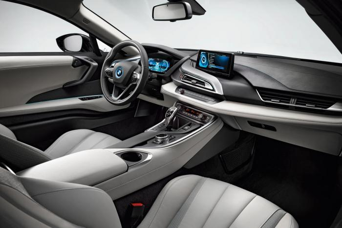 BMW-i8-interior-production-version-from-passenger-side