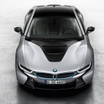 BMW-i8-top-view-showing-hood-scoop-shape