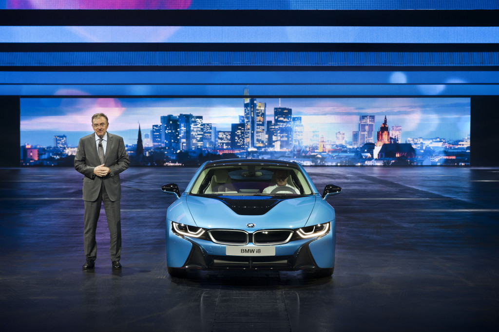 BMW-i8-unveiled-at-Frankfurt-Motor-Show