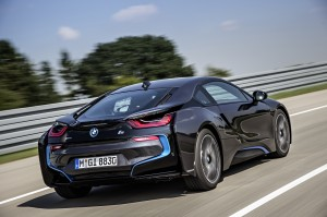 Black-2014-BMW-i8-rear-view